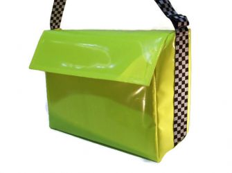 Delivery Bag, Large - Chequered Strap